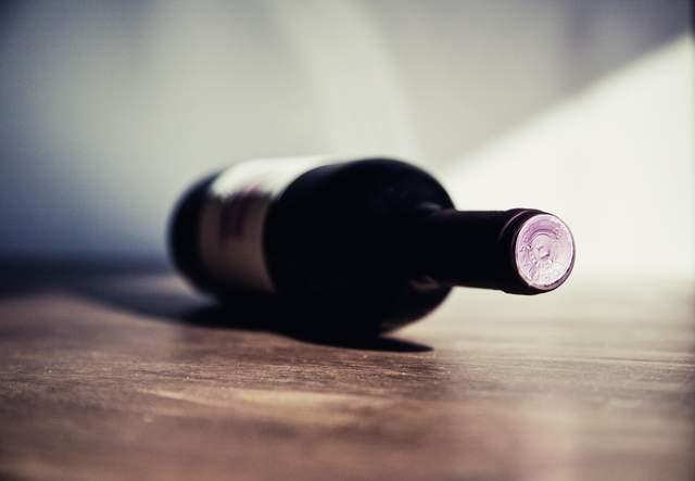 Горизонтальне положення — найкраще для зберігання вина