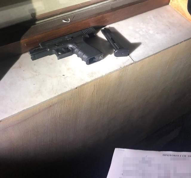 У цетнрі Львові чоловік стріляв з пістолета: хотів налякати п'яну компанію