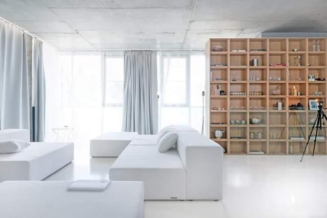 Враховуйте кількість природного світла в кімнаті