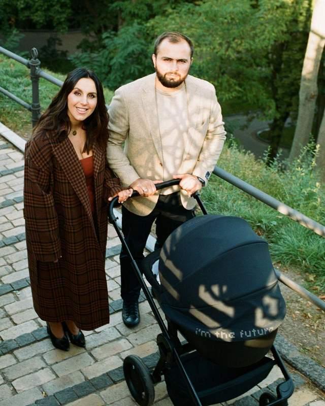 Джамала з чоловіком і сином позувала для Vogue