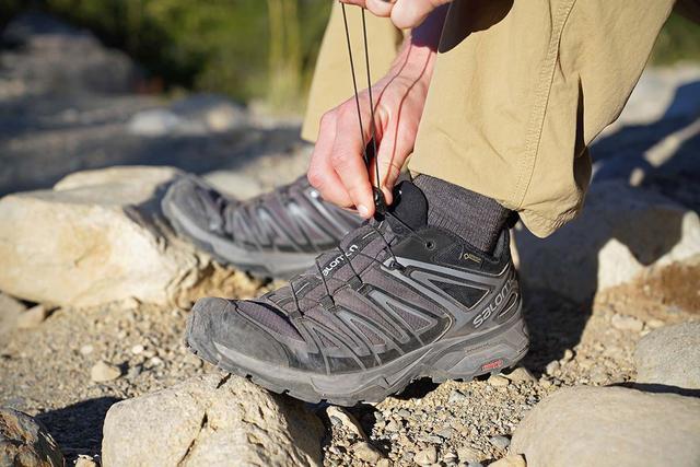 В кроссовках удобно преодолевать большие расстояния