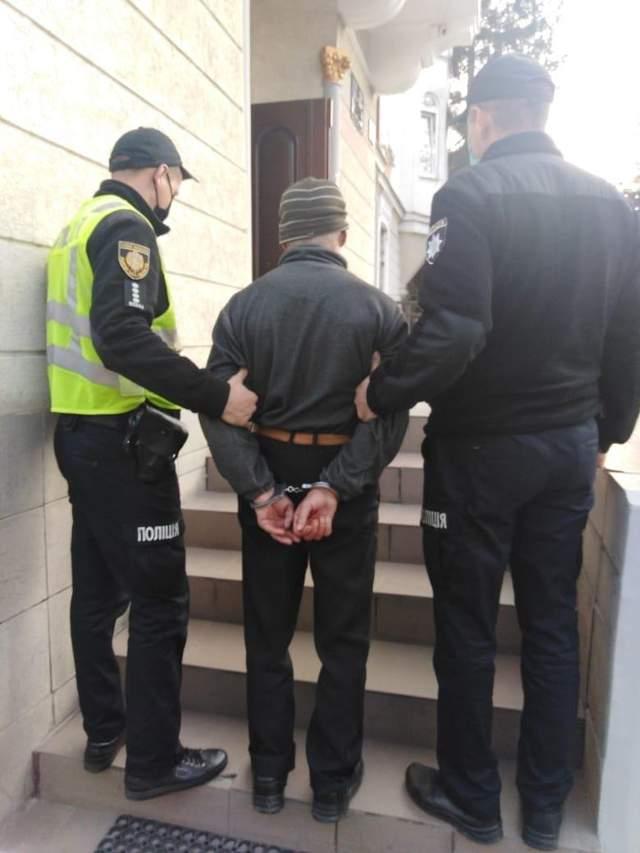 Штрикнув жінку ножем у серце: на Львівщині вбивцю затримали за 30 хвилин – фото