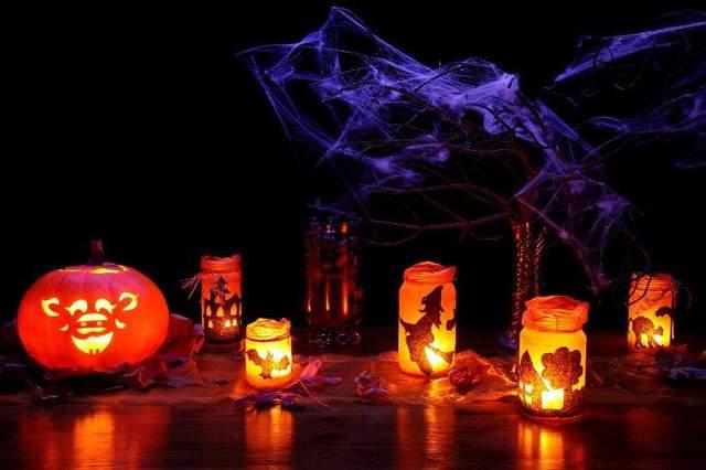 Свічки допоможуть зробити містичну атмосферу