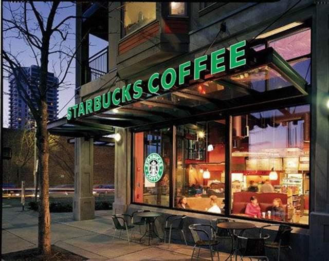 Купить стильное кресло можно в любой кофейне Starbucks в Великобритании