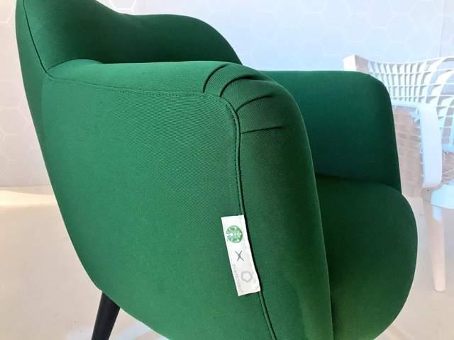Материалом для обшивки стал текстиль из переработанного пластика