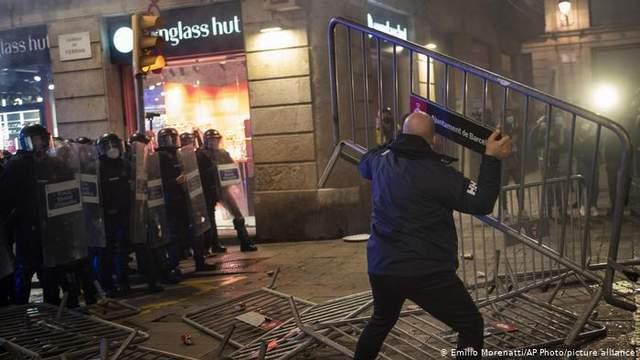 протести у барселоні через карантин