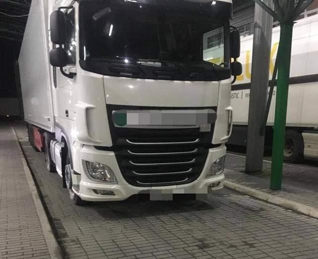 На кордоні виявили вантажівку з психотропними речовинами