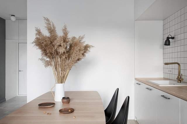 Раскладной стол позволяет чувствовать себя комфортно