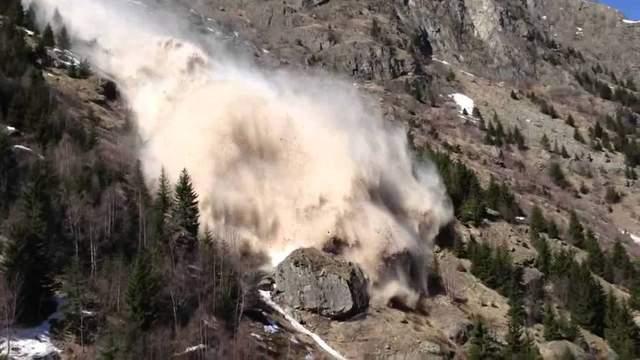 Смертоносна лавина у Перу