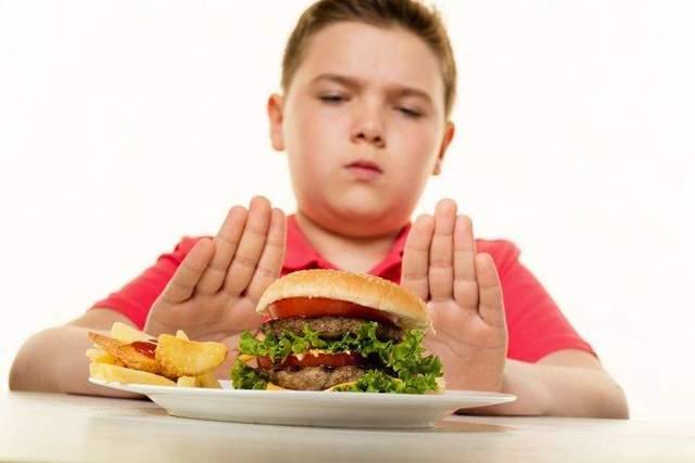 Дети быстро привыкают к вредной пище