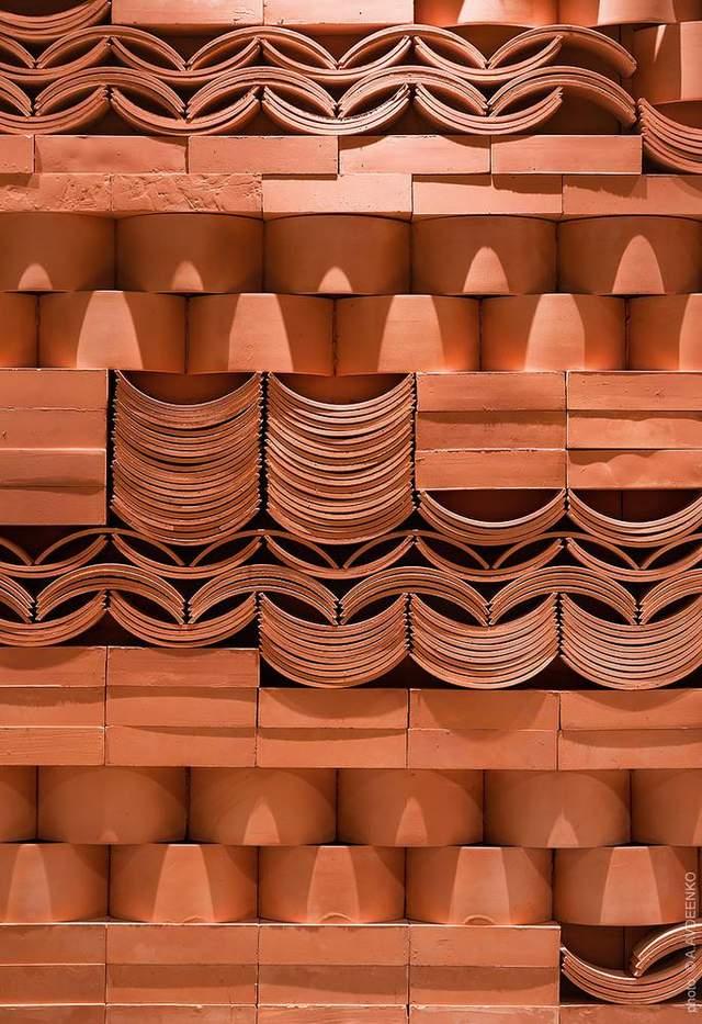 Терракотовое отделки стен