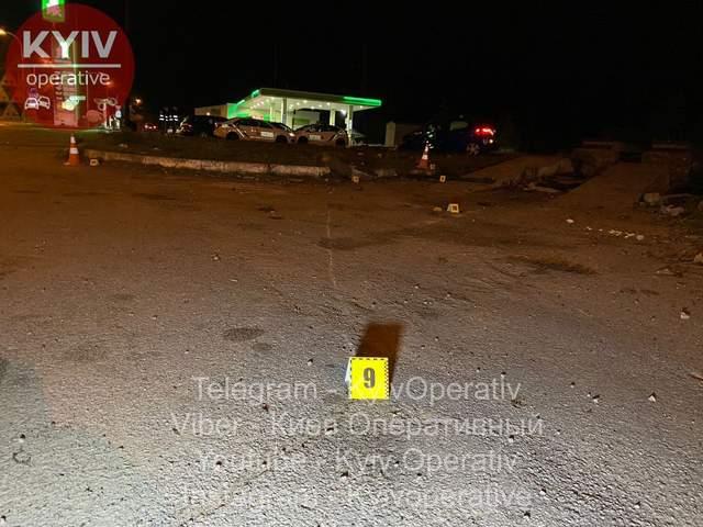 У Києві на Оболоні легковик на смерть збив поліцейську