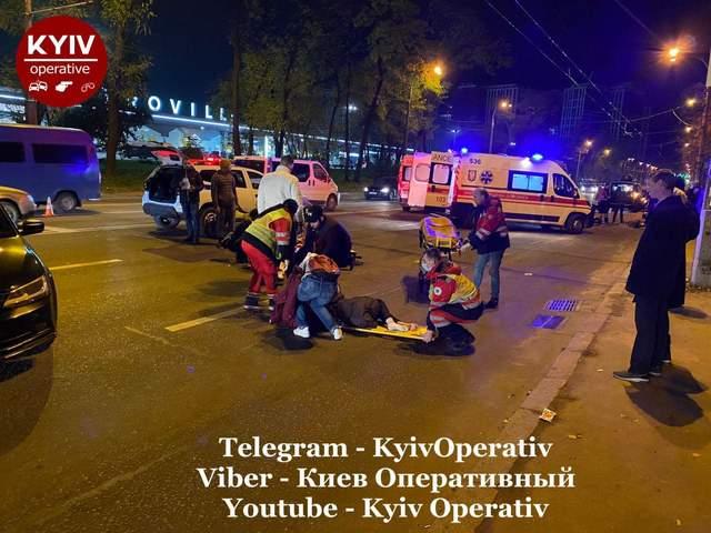 У Києві пілот мотоциклу збив 3 пішоходів