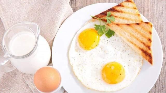 Яйця можна і потрібно їсти