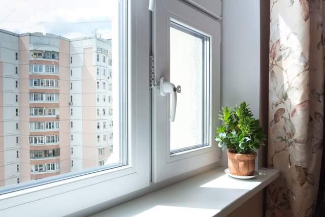 Вікна можна утеплювати як зсередини, так і ззовні