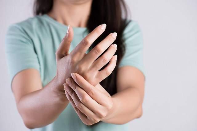 Кисти рук особенно нагруженные при статических упражнениях