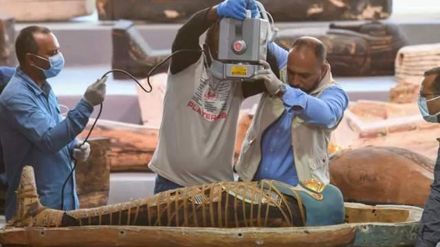 Археологи открыли один из саркофагов