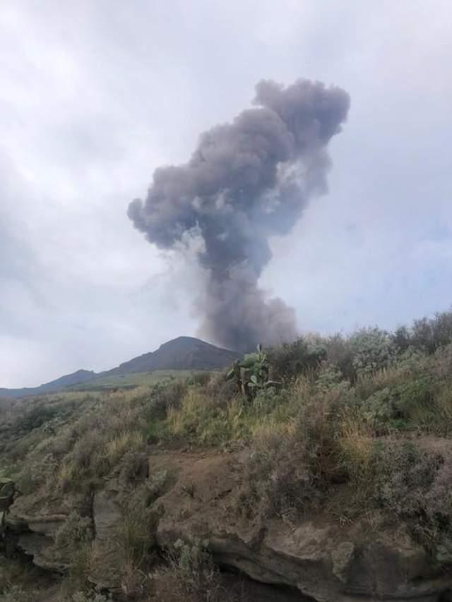 Італія острів Стромболі виверження вулкану