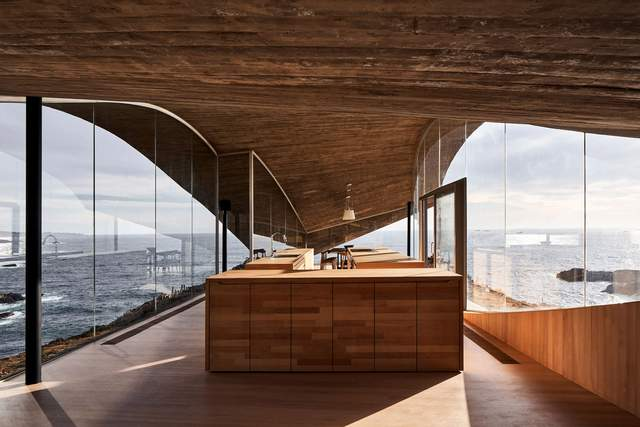 Кухня схожа на корабель в океані