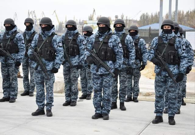 Кадри з місця презентації проєкту будівництва нових військових баз