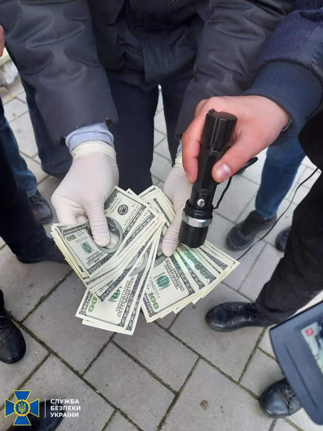 затримання працівника суду у Львові