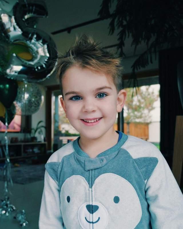 5-річний син Юлії Саніної
