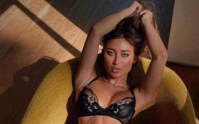 Канадська зірка Playboy розбурхала мережу гарячим фото у відвертому купальнику