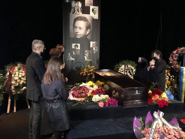 У Львові прощаються з Романом Віктюком
