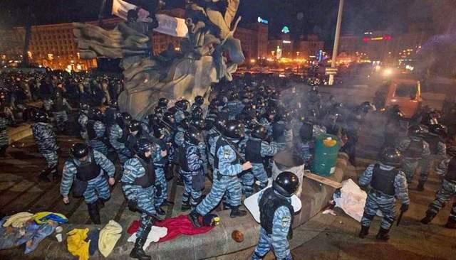 Штурм Майдану Беркут 2013 рік 29 30 листопада фото