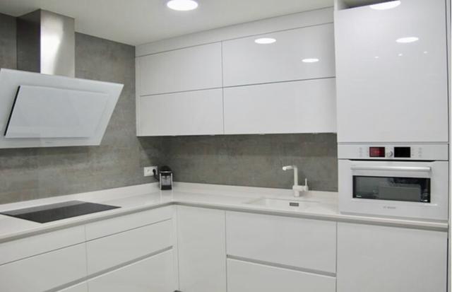 Стильные и практичные шкафы до потолка