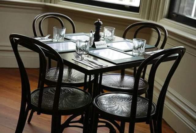 Венский стул популярный в кафе
