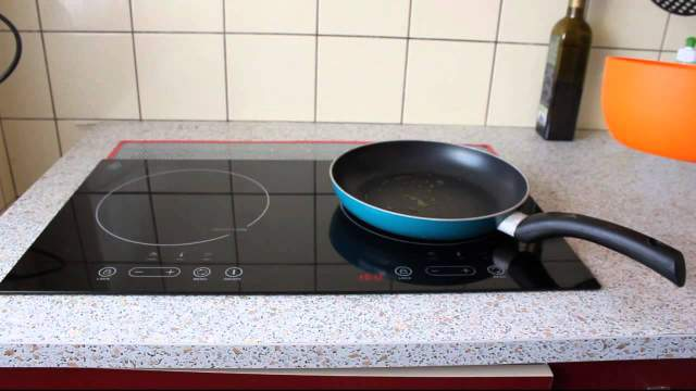 Для индукционной плиты нужен металлическая посуда