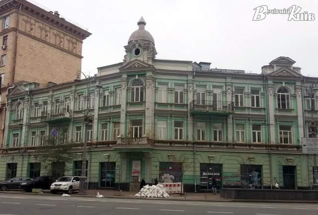 Садиба Фалера, що на вулиці Великій Васильківській, 10 / Фото