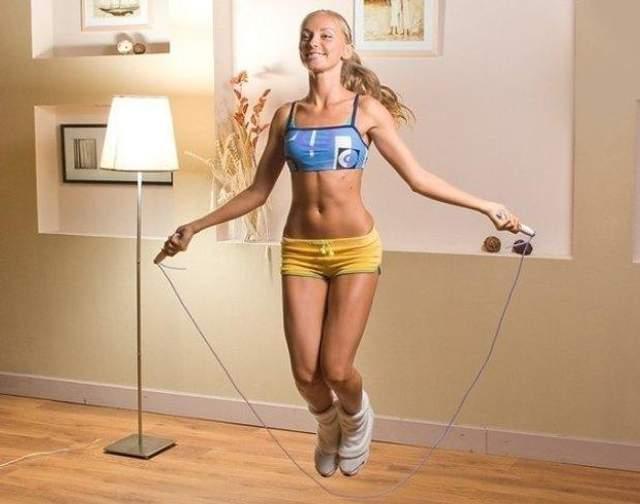 Заняття спортом вдома