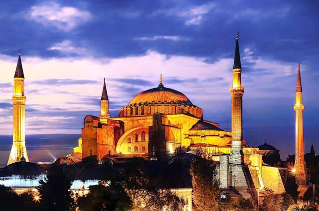 Подорожі до Туреччини для українців