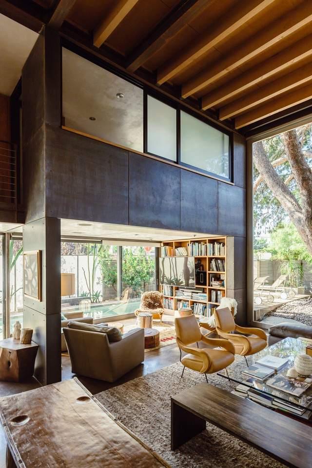 Поєднання природи та унікальних стилів – візитівка цього будинку / Фото dwell