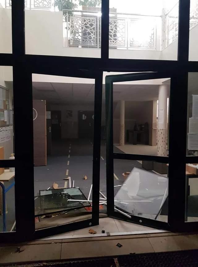 Мечеть, Франція, напад, 2 грудня 2020, Бретеньї-сюр-Орж, в'їхали на авто