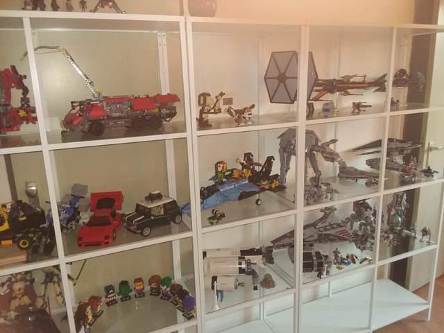 Подарунки для любителів Лего