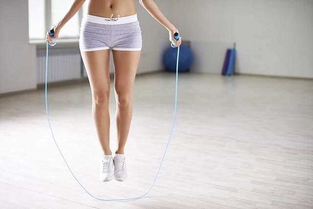 Скакалка – найпростіша альтернатива бігові