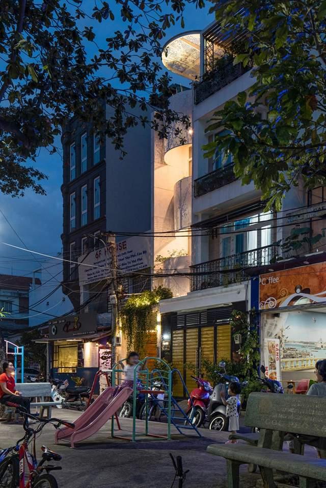 Эффект светотени создает распределение светлых и теневых текстур / Фото World Architecture