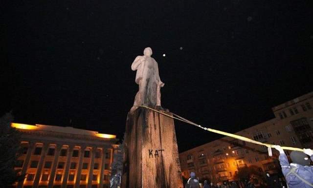 повалення пам'ятника Леніну в Житомирі в 2014 році