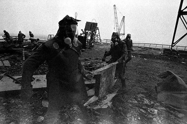 Робот Вася ляквідація катастрофи на ЧАЕС розчищали дах 4 енергоблоку фото