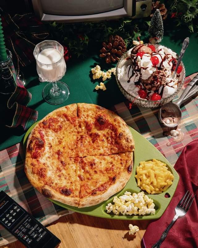 Сирна піца, макарони з сиром та морозиво