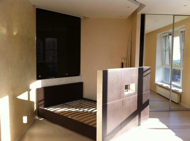 Функциональная перегородка, отделяющая спальное место
