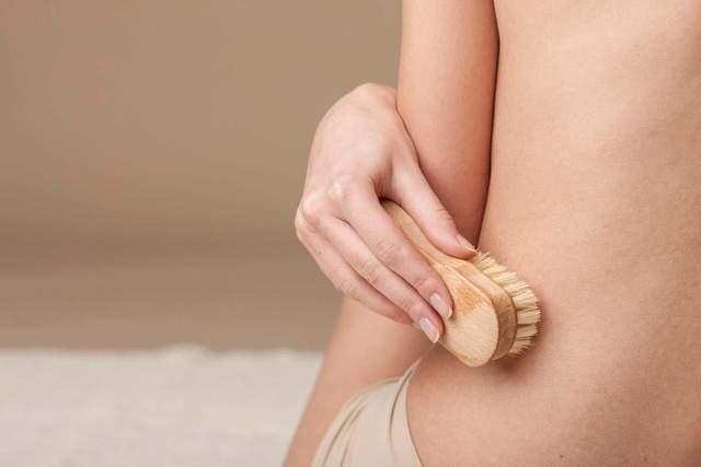 Для улучшения дренажа лимфы можно делать массаж