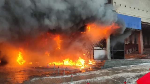 Пожежа на бульварі Шевченка в Києві 12.12.2020