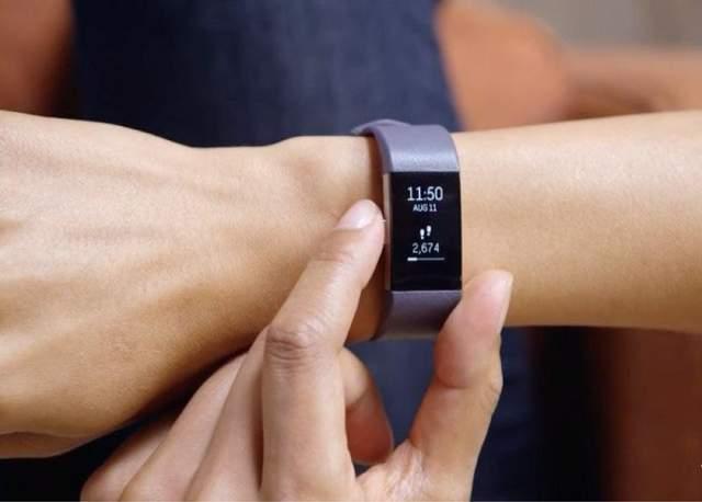 Фитнес-браслеты помогают измерять количество шагов