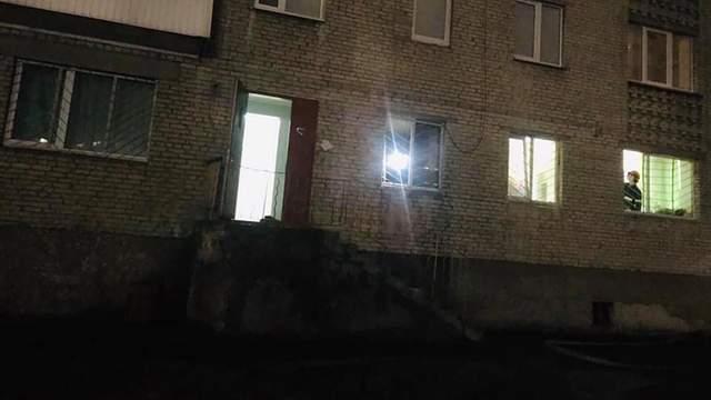Відділення поліції горіло під Львовом: туди кинули димову шашку – відео