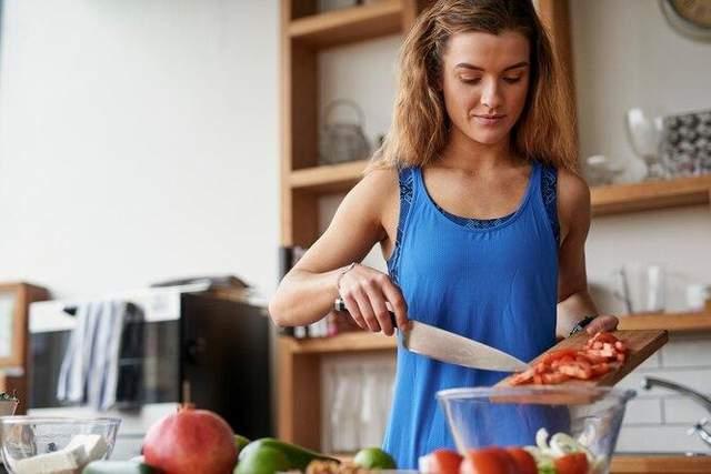 Если чувствуете слабость и недостаток энергии, увеличьте количество калорий