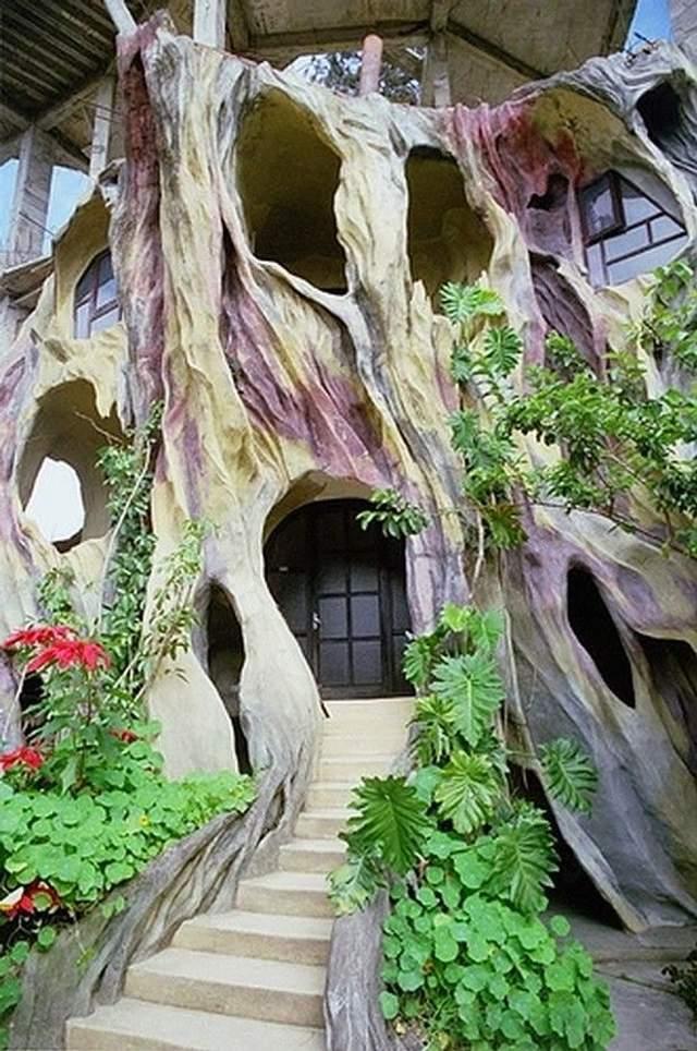 Це помешкання нагадує будинок казкових героїв